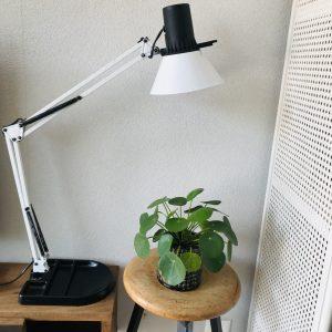 Elite-schaarlamp-wit-zwart-pennebak