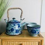 vintage oosters theepotje blauw met kommetjes