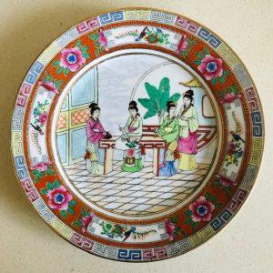 Handgeschilderd chinees porselein bord geisha