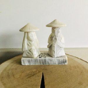 chinees beeldje wit steen