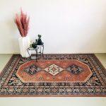 vintage tapijt roze grafisch boho oudroze blauw