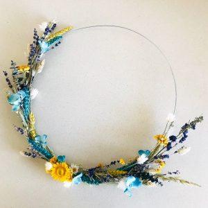 droogbloemenkrans droogbloemenring blauw geel lente lavendel