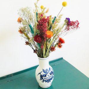 droogbloemen boeket met vintage vaas