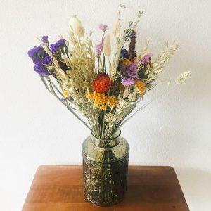 Glazen vaas olijfgroen glas droogbloemen
