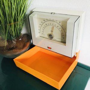 Vintage krups keukenweegschaal hangend oranje