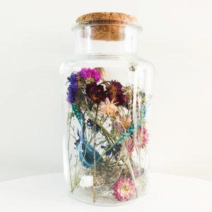 droogbloemen glazen pot kurk