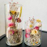 Droogbloemen in glazen vaas droogdecoratie